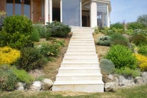 escalier-pierre-travertin-2